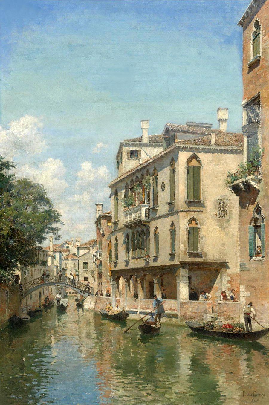 900_Busy-day-on-a-Venetian-Canal.jpg