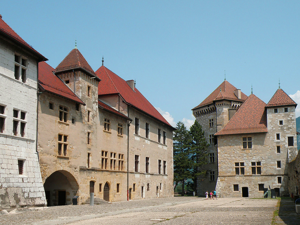 View_on_Chateau_dAnnecy1.jpg