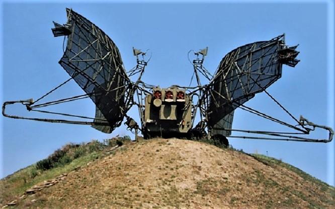 Это наша РЛС 5Н87. На картинке четко видны внизу два волновода идущие к рупорам антенны.