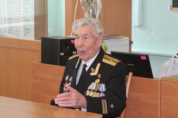 Рязанов на совете ветеранов завода