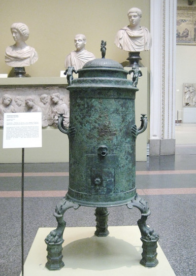 800px-Roman_Heater_from_Pompeii_-_replica_in_Pushkin_museum_01_by_shakko.jpg