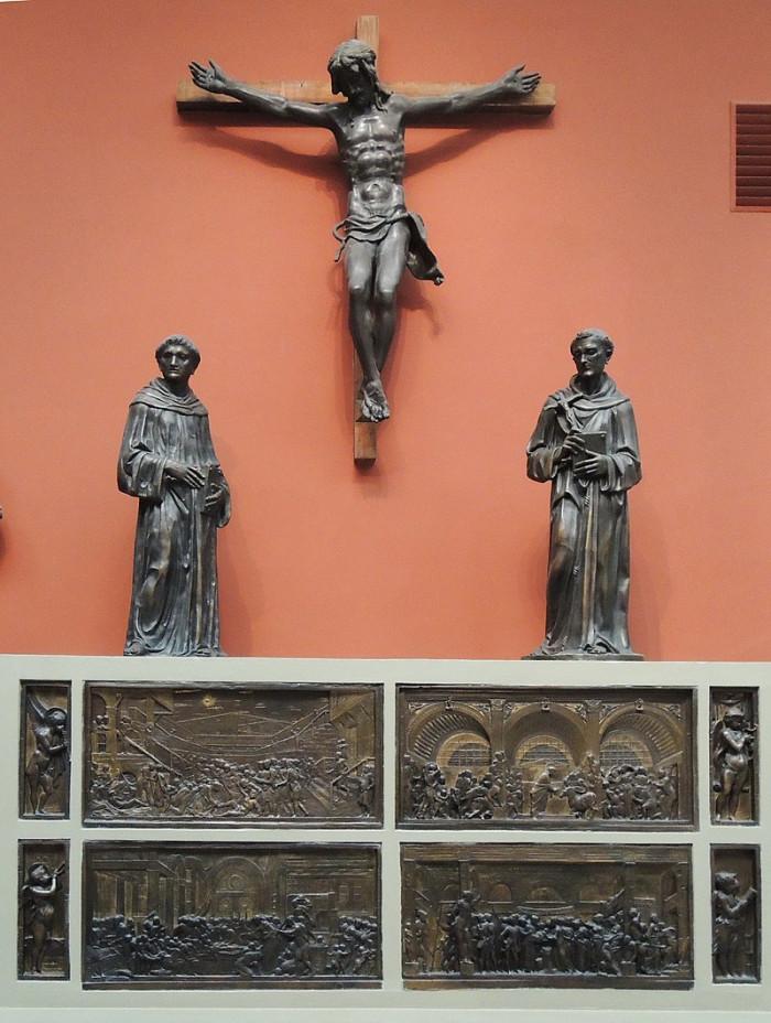 800px-SantAntonio_da_Padova_main_altar_-_castings_in_Pushkin_museum_01_by_shakko.jpg