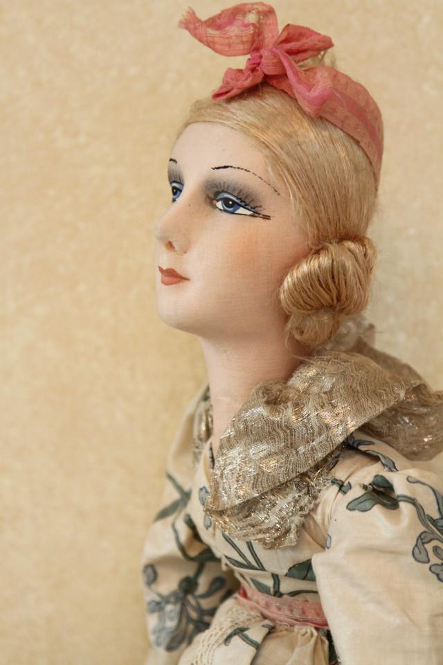 Французская будуарная кукла