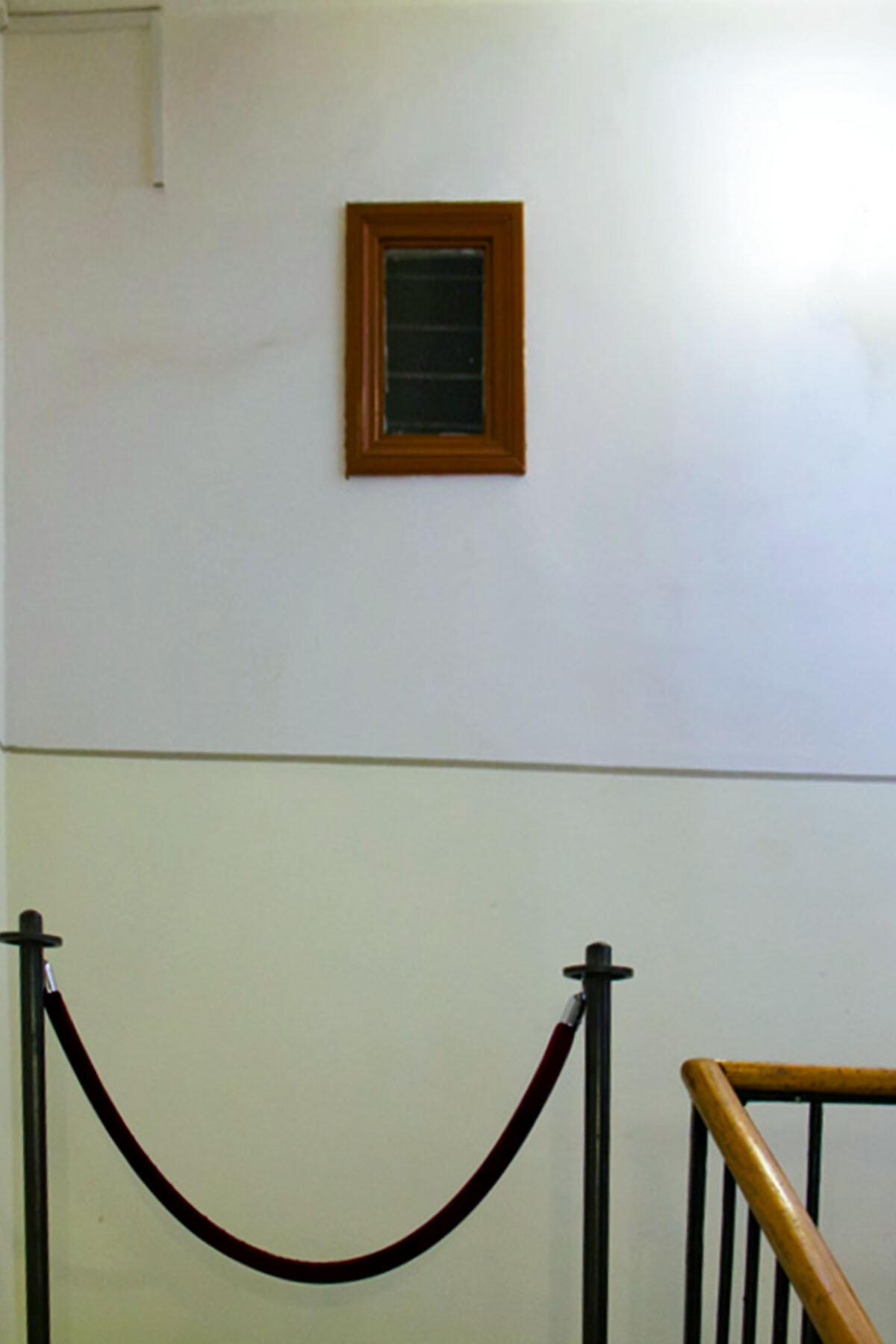 Лестница и прихожая в музее Анны Ахматовой в Фонтанном доме Петербурга BEZ-IMENI-1d3de3b75c84dd130.jpg